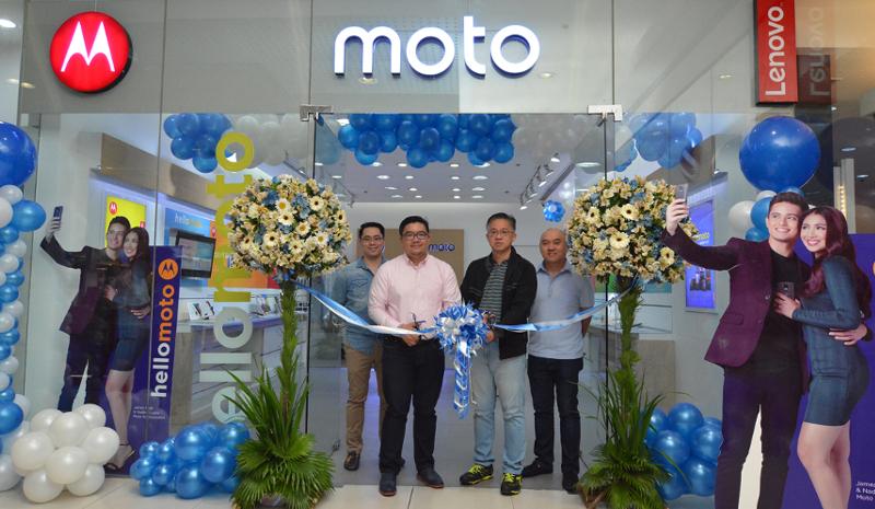 moto-opens-two-new-concept-stores-metro-manila-image